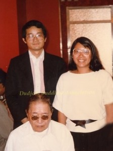 12 HH Dudjom Rinpoche with Yeshe Thaye & Pema Lhadren in Hong Kong (1981)1