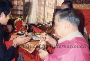 17 HH Dudjom Rinpoche, with Guru Lau, Bestowing Empowerments to Yeshe Thaye (1981)1