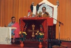 17 HH Dudjom Rinpoche with Guru Lau in Taiwan (1984)2