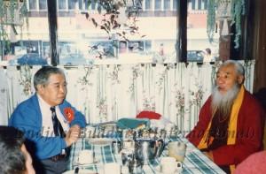 29 Guru Lau with HH Kyabje Chadral Rinpoche (1989)